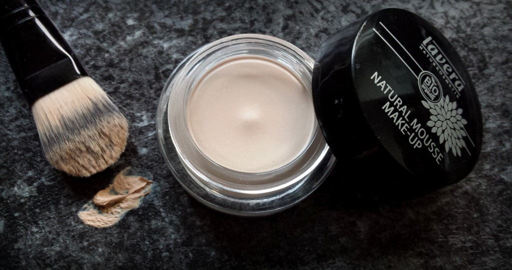 karosophies-naturkosmetik-hautsache-natural-mousse-makeup-lavera3