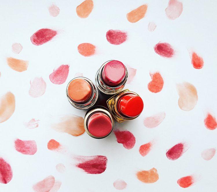 karosophies-naturkosmetik-blog-fruehling-fuer-die-lippen-meine-lieblingsfarben-lavera-korres-chanel-ilia-alverde